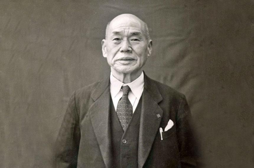 創立者、武居佐源次
