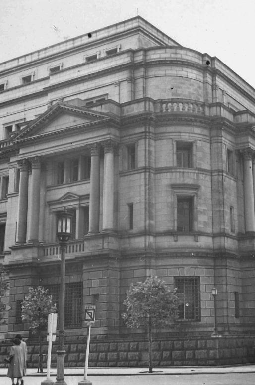 日本銀行本館 他、数々の著名な施設の施工を行う